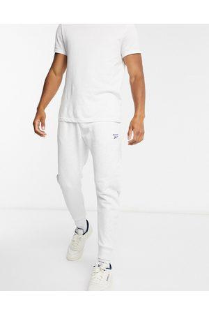 Reebok Joggers básicos en claro con logo vectorial de Classics-Blanco