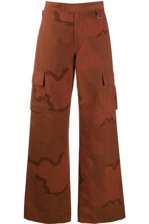 Marine Serre Pantalones con motivo militar