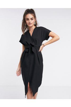 Closet Vestido midi con diseño cruzado y anudado en de