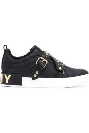 DKNY Mujer Zapatillas deportivas - Studz buckled low-top sneakers