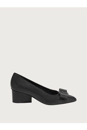 Salvatore Ferragamo Mujer Zapatos salón Viva Talla 36.5