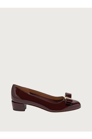 Salvatore Ferragamo Mujer Zapatos pumps con lazo Vara Talla 35.5