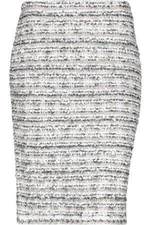 D.EXTERIOR Faldas cortas