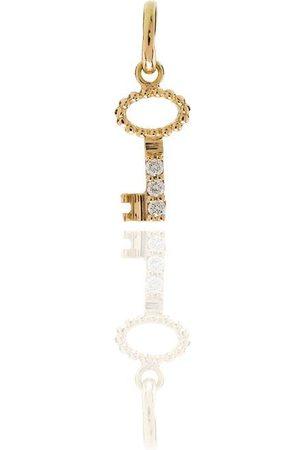 GIGI CLOZEAU Charm con motivo de llave en oro amarillo de 18kt con diamantes