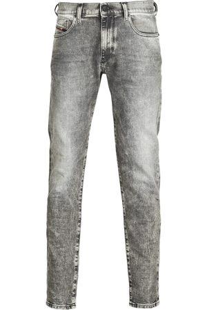 Diesel Pantalón pitillo D-STRUKT para hombre