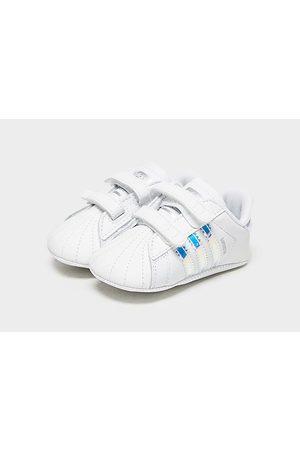 adidas Originals Superstar Crib para bebé, White/Blue