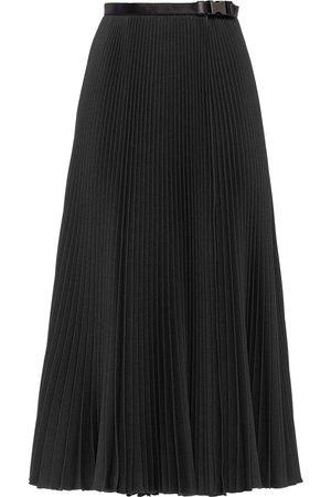 Prada Falda plisada con cinturón