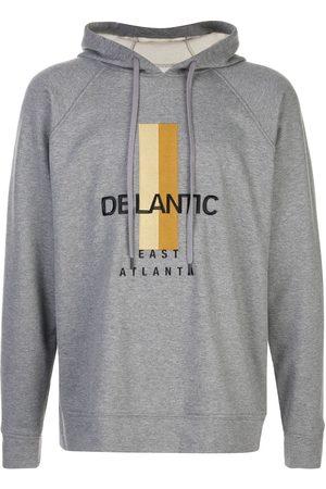 Delantic Sudadera con capucha y logo estampado