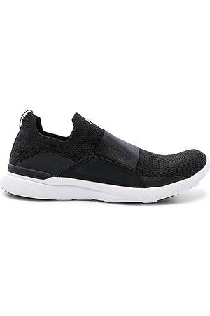 APL Athletic Propulsion Labs Zapatilla deportiva techloom breeze en color negro talla 5 en - Black. Talla
