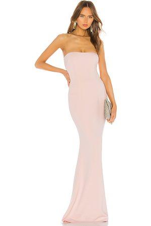 Katie May Vestido largo mary kate en color talla 0 en - Blush. Talla 0 (también en 10, 2, 4).