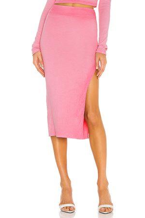 Cotton Citizen Falda melbourne en color rosado talla L en - Pink. Talla L (también en S, XS).