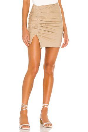 Lovers + Friends Minifalda zanele en color bronce talla L en - Tan. Talla L (también en XS, S, M, XL).