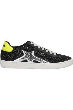 Lola Cruz Sneakers & Deportivas