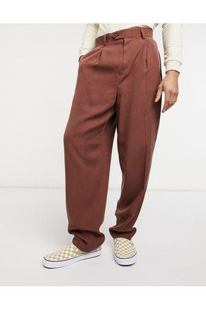 ASOS Pantalones de vestir slim de sarga con cintura alta de -Tostado