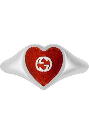 Gucci Anillo con corazón esmaltado con GG