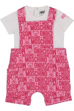 Moschino Bebé – set de camiseta y peto