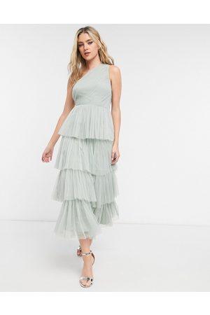 ANAYA Vestido de dama de honor semilargo salvia asimétrico de tul con diseño escalonado de volantes de With Love