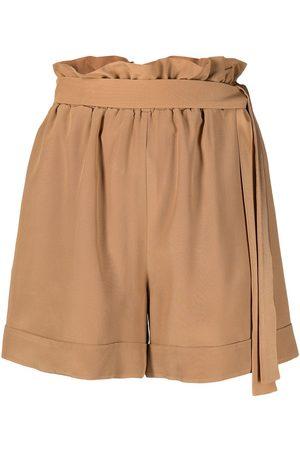 FEDERICA TOSI Mujer Pantalones cortos - Shorts con cinturón y talle alto