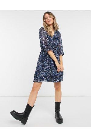 New Look Vestido corto azul floral de tarde con cuello de