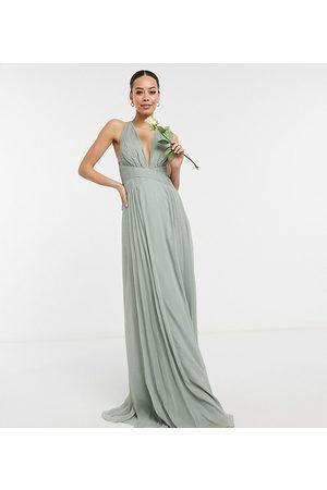 ASOS Vestido largo de dama de honor verde con cuerpo fruncido y cintura cruzada de ASOS DESIGN Tall