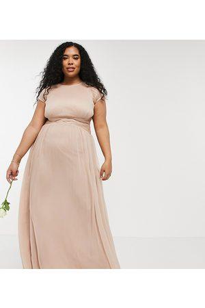 ASOS Curve Vestido largo de dama de honor con cuerpo fruncido y detalle de manga de casquillo de ASOS DESIGN Curve-Rosa