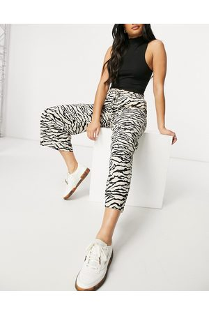 Selected Pantalones culotte color neutro con estampado animal de Femme (parte de un conjunto)