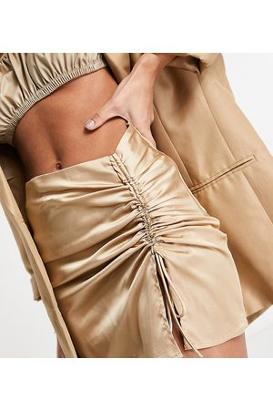 EI8TH HOUR Minifalda dorada con laterales fruncidos de satén de
