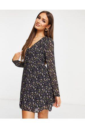 Missguided Vestido de tarde con estampado floral de manga larga de