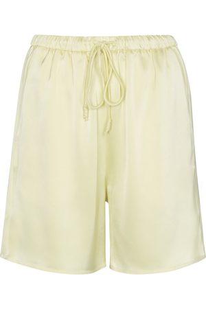 Nanushka Mujer Pantalones cortos - Shorts Emily de satén con cordón