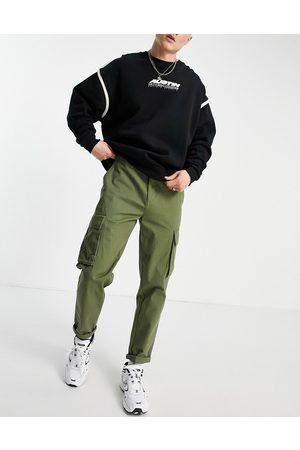 New Look Pantalones cargo en color de -Verde