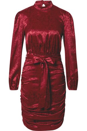 Chi Chi London Vestido camisero 'Camile' borgoña