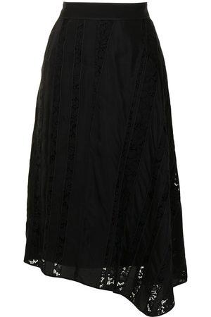 Nº21 Vestido asimétrico con panel de encaje