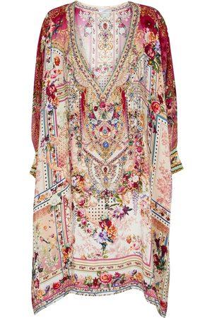 Camilla Exclusivo en Mytheresa - caftán de seda floral adornado