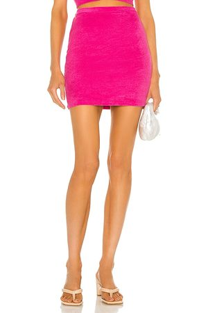 Lovers + Friends Falda miley en color rosado talla L en - Pink. Talla L (también en XXS, XS, S, M, XL).