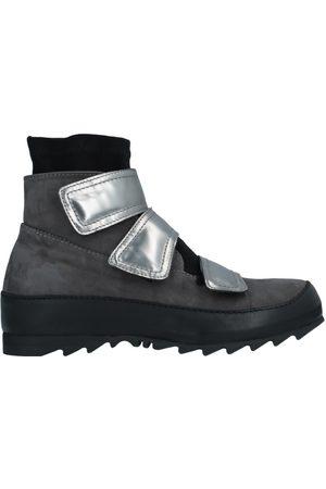 Ixos Sneakers abotinadas