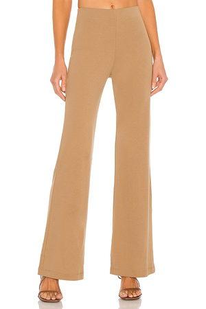Lovers + Friends Pantalón elastic en color talla L en - Tan. Talla L (también en XXS, XS, S, M, XL).