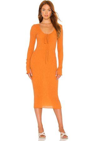 Camila Coelho Vestido midi naya en color naranja talla L en - Orange. Talla L (también en XXS, XS, S, M).