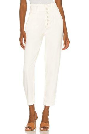 Paige Pleated carrot leg exposed buttonfly jean en color blanco talla 23 en - White. Talla 23 (también en 24, 25, 26, 27, 29, 30, 31