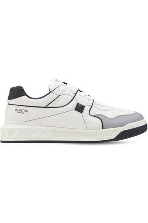 VALENTINO GARAVANI | Hombre Sneakers De Piel Con Tachuelas /negro 39