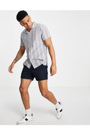 Abercrombie & Fitch Camisa de manga corta a rayas texturizadas con cuello de solapas Resort de
