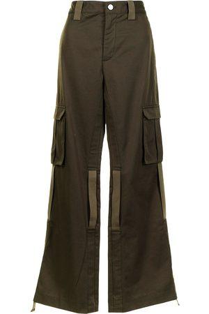 DION LEE Pantalones tipo cargo acampanados