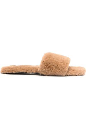 SENSO Slippers Idella estilo slip-on