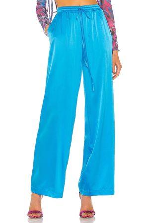 KIM SHUI Pantalones en color talla L en - Blue. Talla L (también en XS, S, M).
