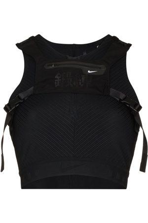 Nike Mujer Shorts o piratas - Top corto 3-1 de x MMW