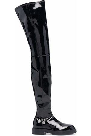 Givenchy Botas con puntera redonda y acabado brillante