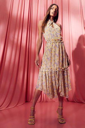 Boohoo Vestido Midi De Flores Con Escote Halter