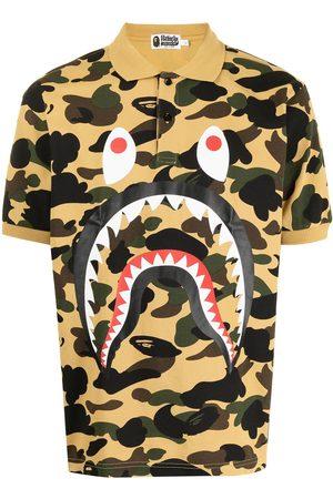 A BATHING APE® Polo Shark con motivo militar