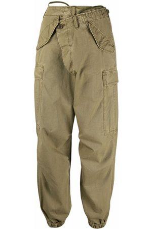R13 Pantalones cargo con cierre cruzado