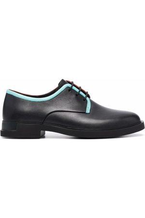 Camper Zapatos con ribete en contraste