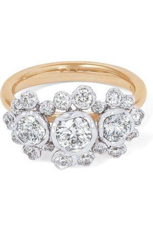 ANNOUSHKA Anillo de pedida con triple diamante en oro blanco de 18kt